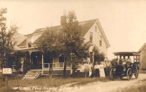 Family Auto NH Derry Island Pond Farm Real Photo