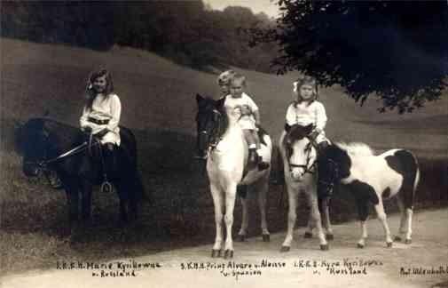 Spanish Prince Russian Princesses on Ponies RP